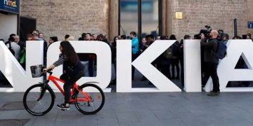 Nokia, connecting people, riding bikes