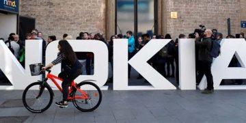 Nokia, connecting people, riding bikes
